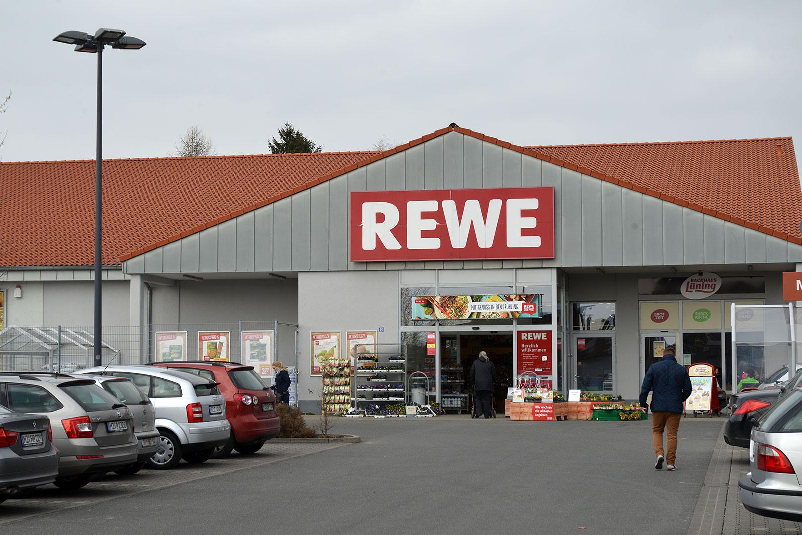 Neben REWE ist auch ein ALDI